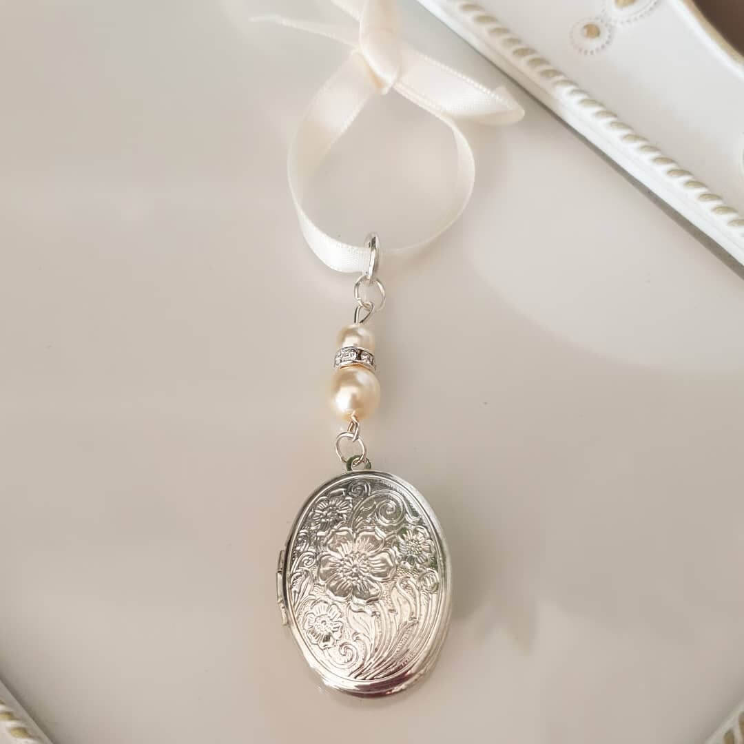bridal bouquet locket for your wedding day